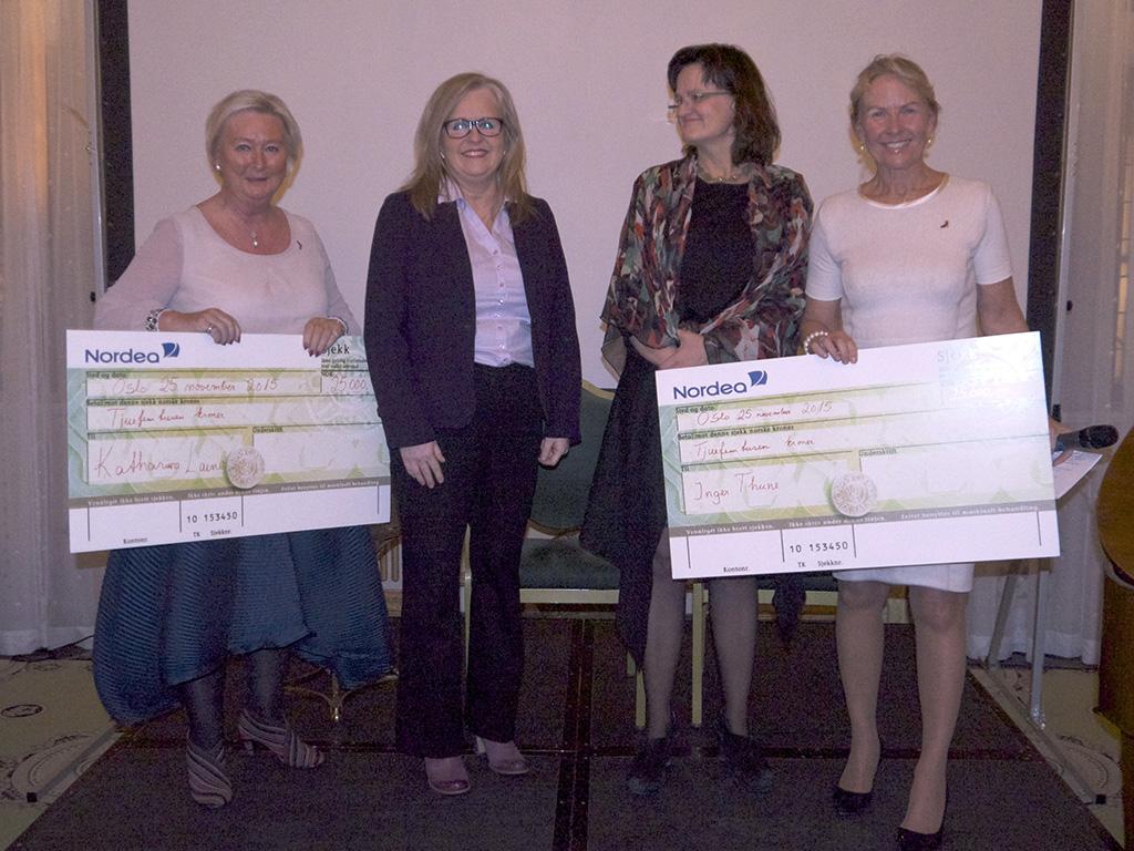 Forskerprisen 2015 til lege Inger Thune (i midten til høyre) og lege Hely Katariina Laine
