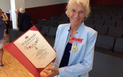 Anne Lise Børresen Dale fra medisinsk fagråd ble belønnet for sin fremragende innsats for medisinsk forskning